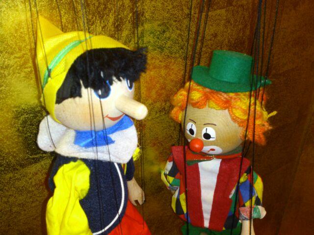 操り人形!マリオネット!marionette! 動く人形!(笑)
