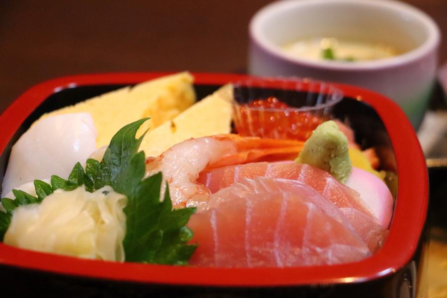 いわき市小名浜おすすめグルメ・ランチ 海鮮丼 「くに定」と 小川地区「白鳥飛来地」