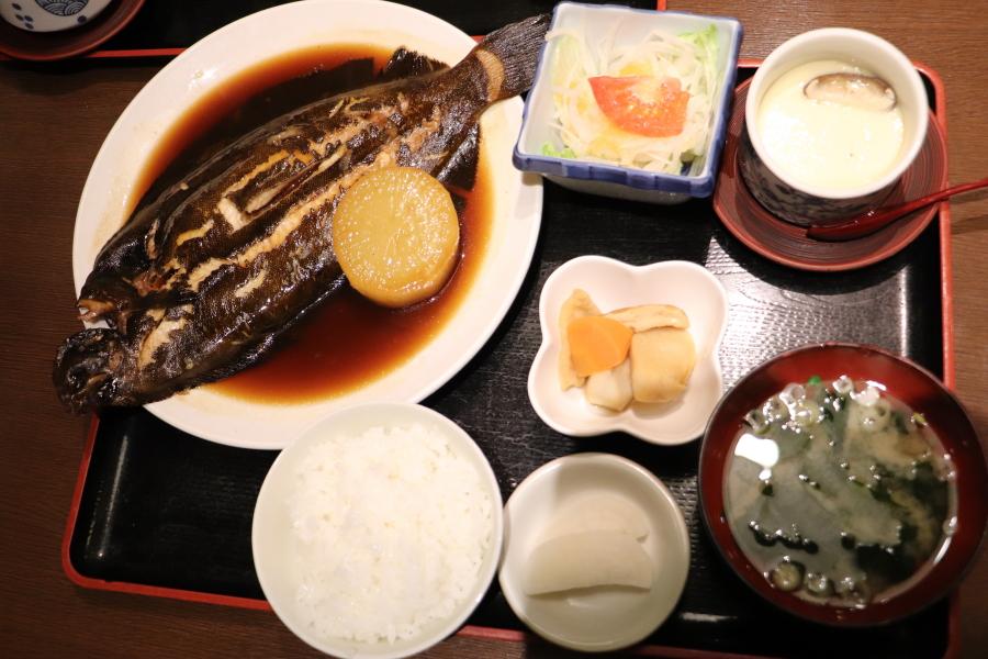 いわき市おすすめグルメ・ランチ 和食「お食事処 食の蔵」なめた鰈の煮付けとめひかりの揚げ物が美味しかった!