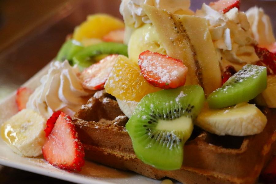 いわき市 おすすめグルメ・ランチ 湯本町「Cafe Escape(エスケープ)」ミックスフルーツワッフルが美味しい!