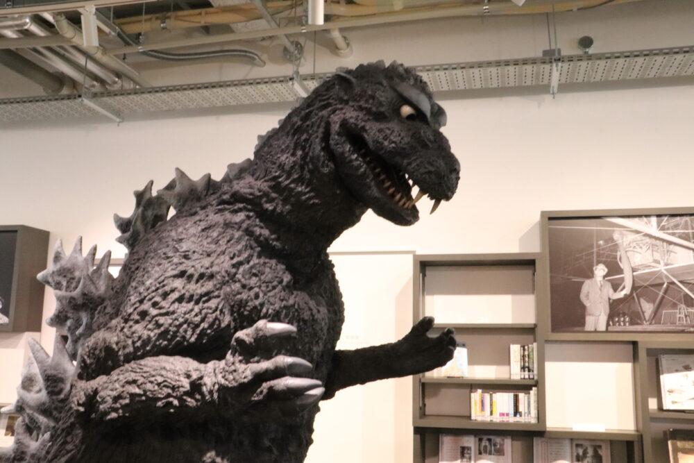 須賀川市民交流センター「tetee」で円谷英二ミュージアム ウルトラヒーロがずらり!