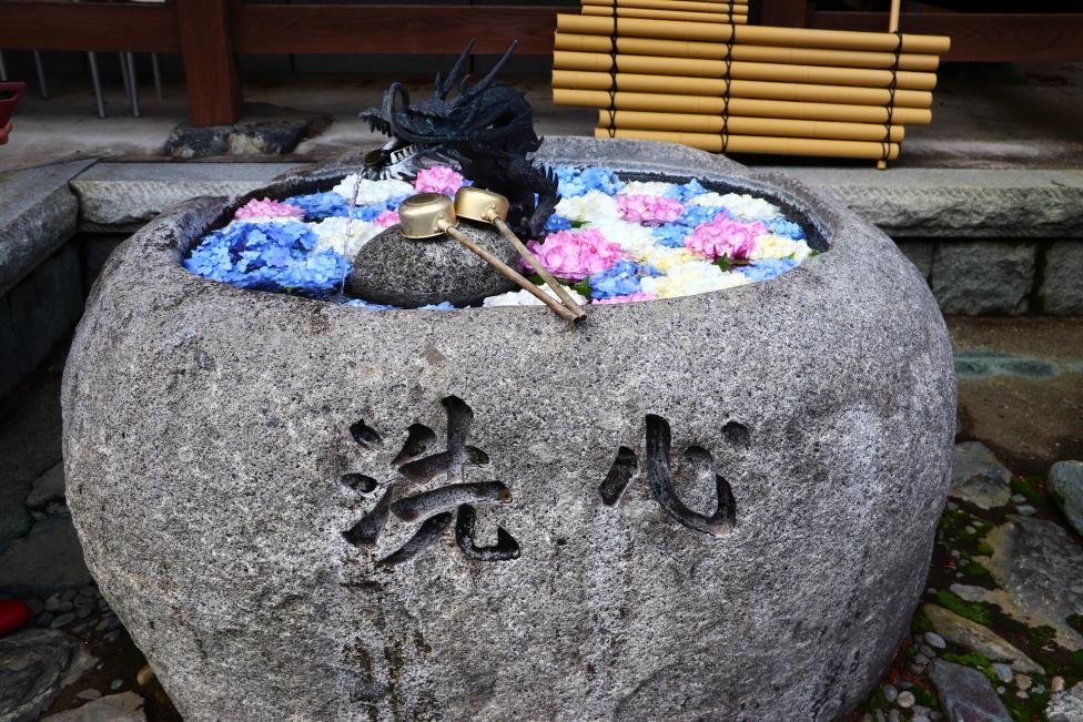 2021年 いわき市 寺院・神社「花手水」3選 + お出かけ 雨引観音「花手水」「水中華」