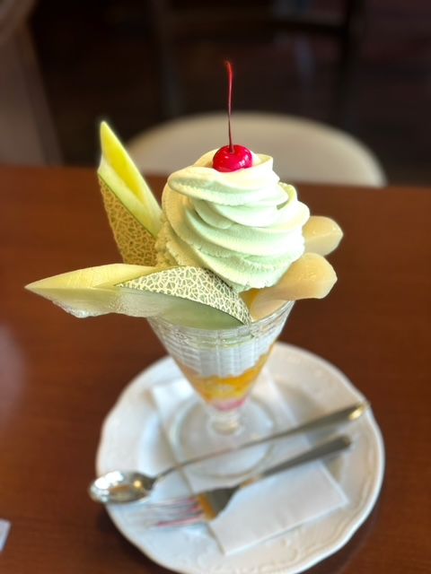 いわき市平「モカージュ」【夏限定 メロンパフェ】暑い夏に、さっぱりとしたパフェはいかが?